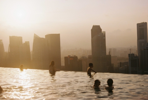 5 Spectacular Infinity Pools