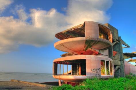 sanzhi-ufo-houses 2