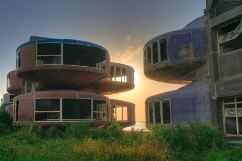 sanzhi-ufo-houses